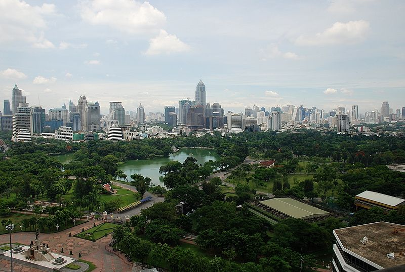 Lumphini Park in Bangkok - copyright Terence Ong, Creative Commons