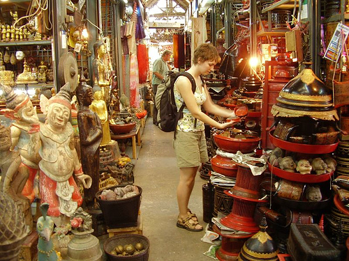 Shopping at Chatuchak Market, Bangkok - copyright Steve and Adam Kahtava, Creative Commons