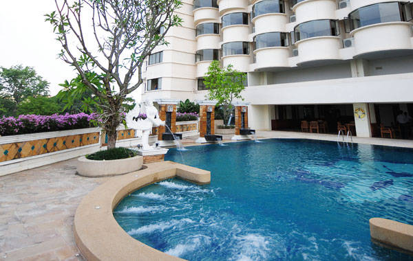Best child friendly hotels in chiang mai thailand tasty - Child friendly hotels swimming pool ...