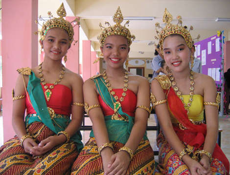 Beautiful Thai girls who are much more innocent than most western women will ever be.