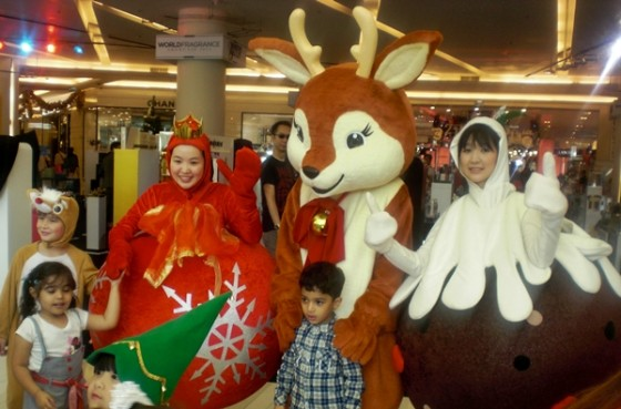 Thais really get into the spirit of Christmas, so it's a great time to visit Bangkok.
