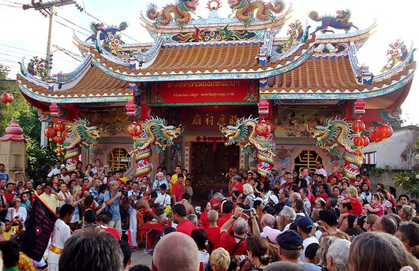 Chinese New Year is crowded but fun in Thailand - copyright Per Meistrup, Creative Commons