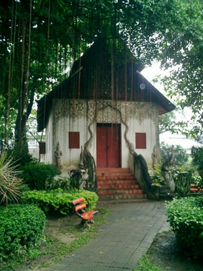 A building on temple grounds in Chiang Mai.