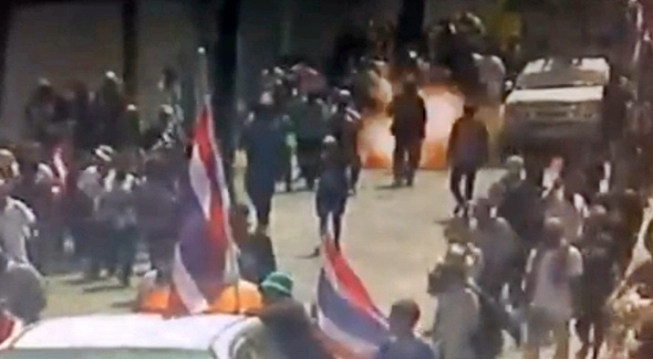 bomb explodes Suthep PDRC protests bangkok