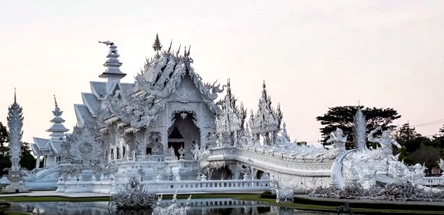 Chiang Rai beautiful white temple