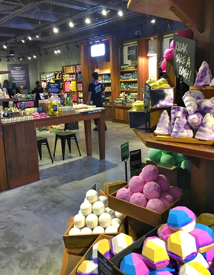 Lush Bangkok located at Siam Center