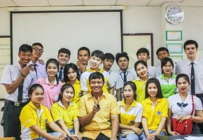 What's it like teaching English to adults in Thailand?